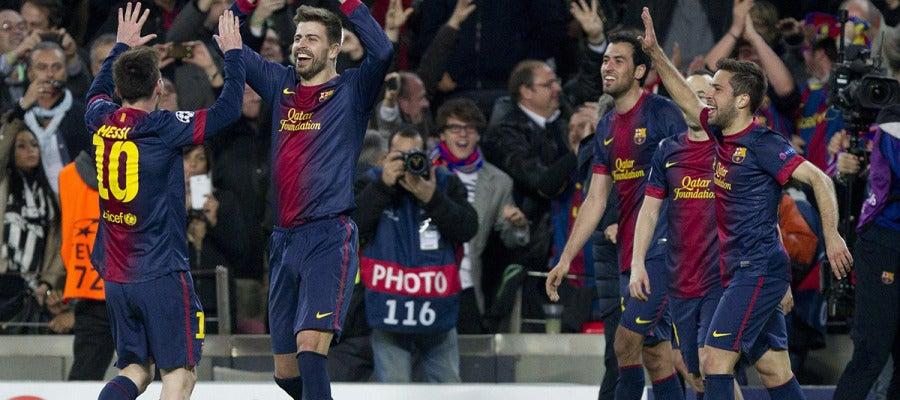 Los jugadores del Barcelona celebran el cuarto gol ante el Milan.