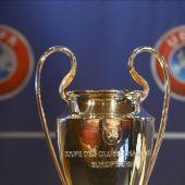 Vista de la copa de la Liga de Campeones de la UEFA