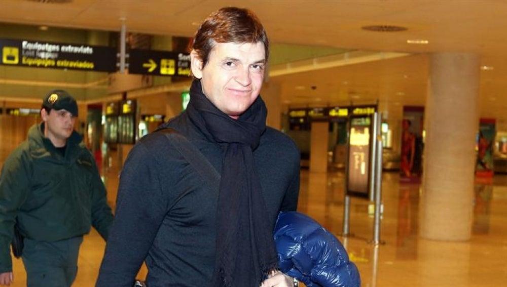 Tito Vilanova llegando a El Prat