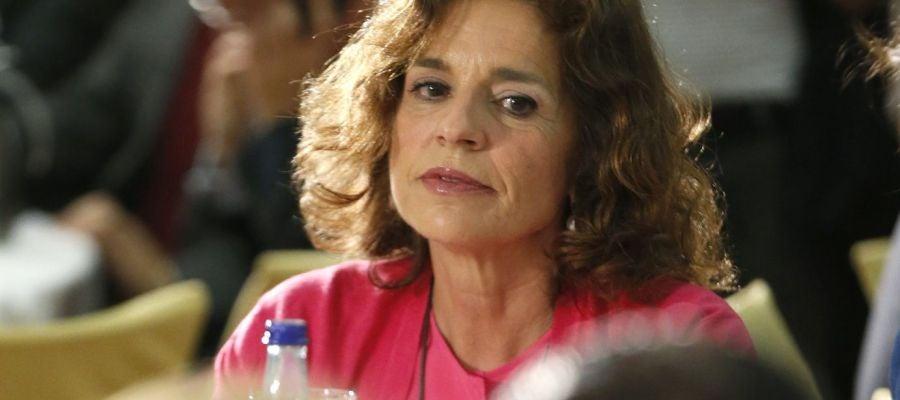 Ana Botella mira a otros líderes del PP