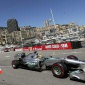 Rosberg rueda por Montecarlo
