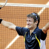 Robredo celebra el pase a cuartos de Roland Garros