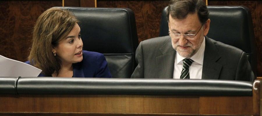 Mariano Rajoy junto a la vicepresidenta del Ejecutivo, Soraya Sáenz de Santamaría.
