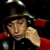 Miguel Gila con el teléfono