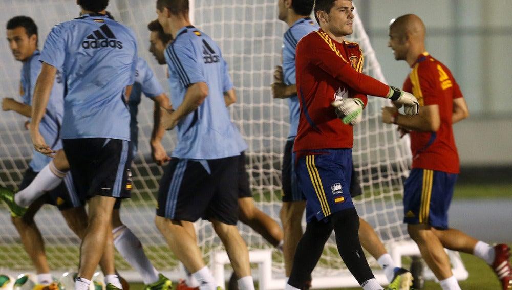 Casillas junto al resto de internacionales en el entrenamiento en Río de Janeiro
