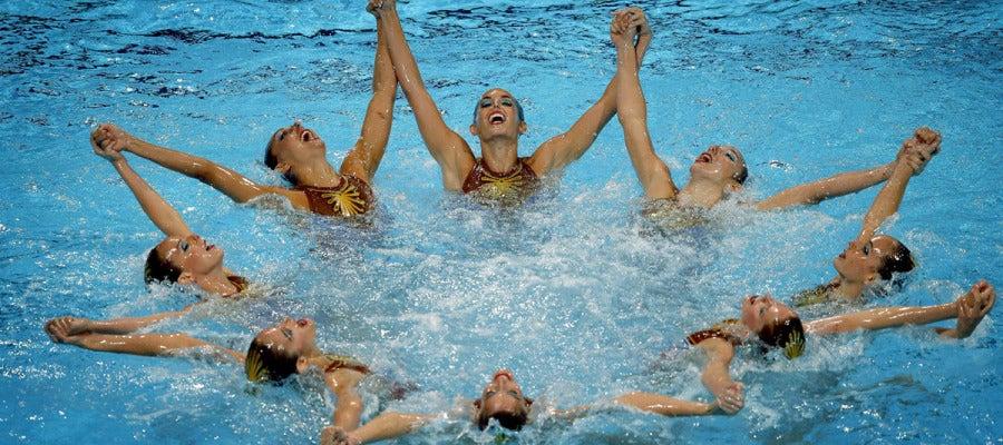Las españoles, durante su ejercicio en la final