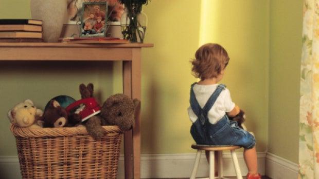 El rincón de pensar: ¿Está justificada una bofetada para corregir una mala conducta de nuestro hijo?