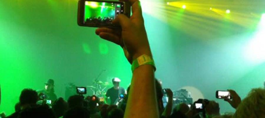 Haciendo fotos en un concierto