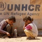 Niños sirios jugando en el campo de refugiados de Zaatari en Mafraq, Jordania.