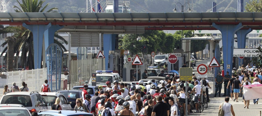 Imagen de archivo de la frontera entre España y Gibraltar