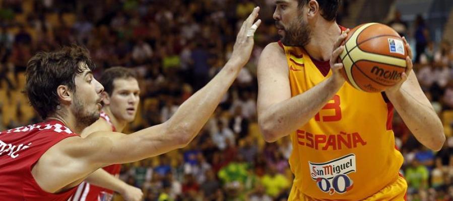 Marc Gasol maneja el balón ante Croacia