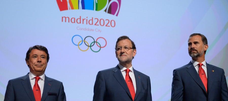 Ignacio Gonzáles, Mariano Rajoy y el príncipe Felipe ante el COI