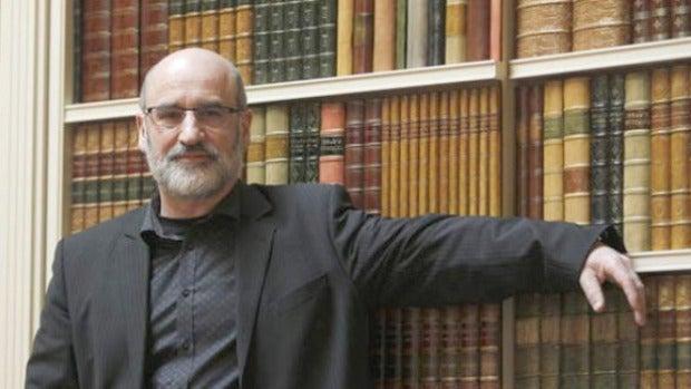 """Fernando Aramburu: """"Mi trabajo muestra cómo ETA dividió al pueblo"""""""