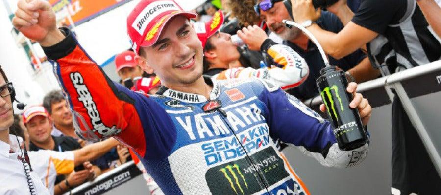 Lorenzo vence en el GP de San Marino de Moto GP