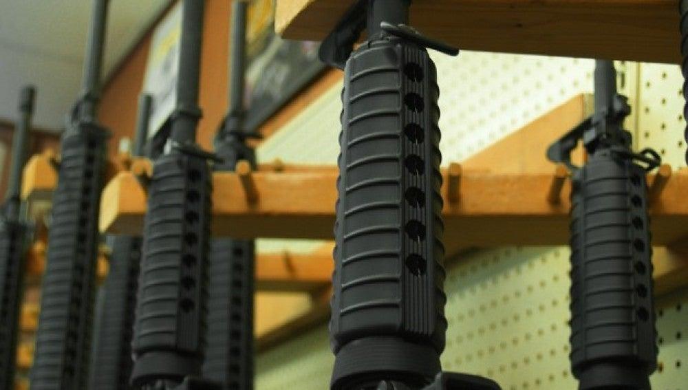 Fusiles en una tienda de armas