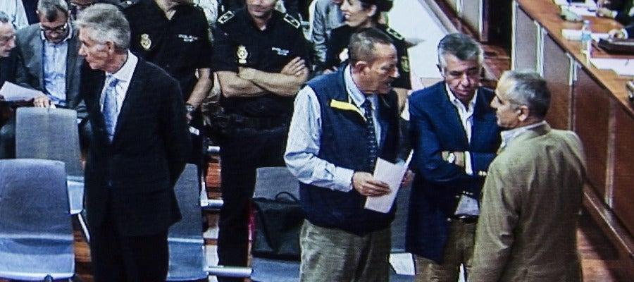 Los principales de Malaya en la sala aguardan la sentencia
