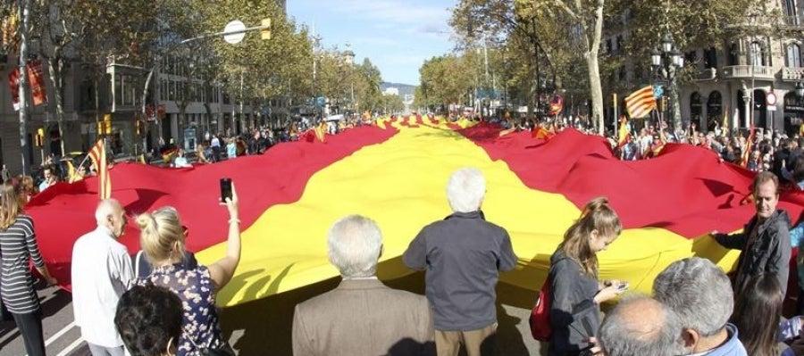 Bandera de España y Cataluña en Barcelona