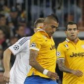 Arturo Vidal durante el Real Madrid - Juventus