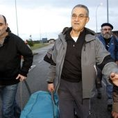 El etarra Domingo Troitiño a su salida de la cárcel de Teixeiro.