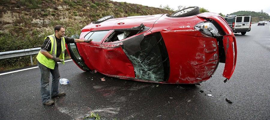 En la imagen, accidente en la autovía A-52 en Galicia.