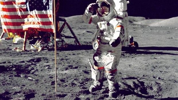 La primera frase que dijo el hombre al llegar a la luna no es la que crees