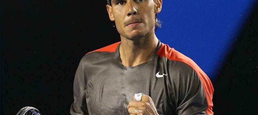 Rafa Nadal celebra un punto ganador ante Roger Federer en las semifinales del Open de Australia