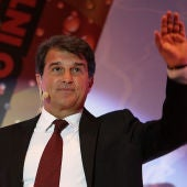 Laporta pide a Bartomeu que celebre elecciones a final de temporada