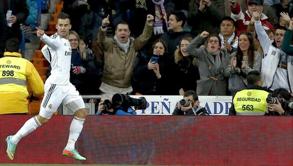 Jesé Rodríguez celebra su gol en el Bernabeu