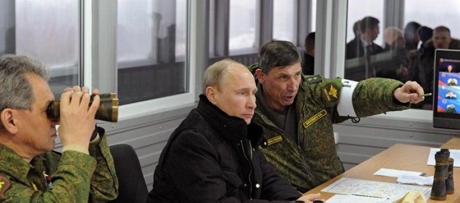 Putin se reúne con su cuerpo de mando.