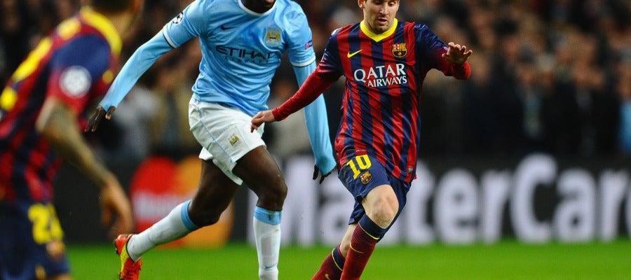 Messi se va de Touré Yaya en la ida