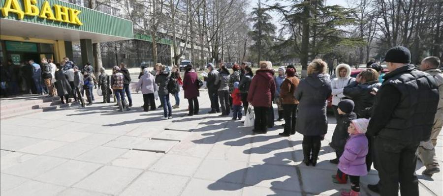 Crimea abre los colegios electorales para celebrar referéndum separatista