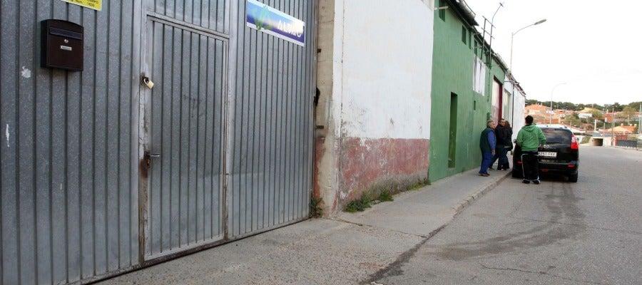 Lugar donde una mujer recibio un disparo en la cabeza de su expareja en Medina del Campo (Valladolid)