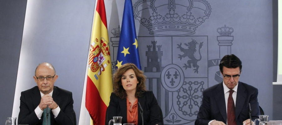 Montoro, Saénz de Santamaría y Soria tras un consejo de ministros