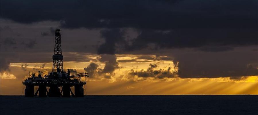 Cadenas humanas en todas las islas rechazan las prospecciones en busca de petróleo