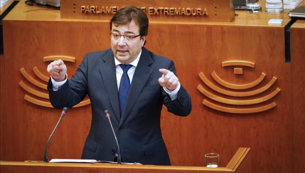 Fernández Vara en el parlamento de Extremadura