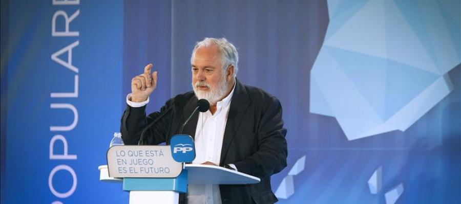 Miguel Arias Cañete en un acto electoral