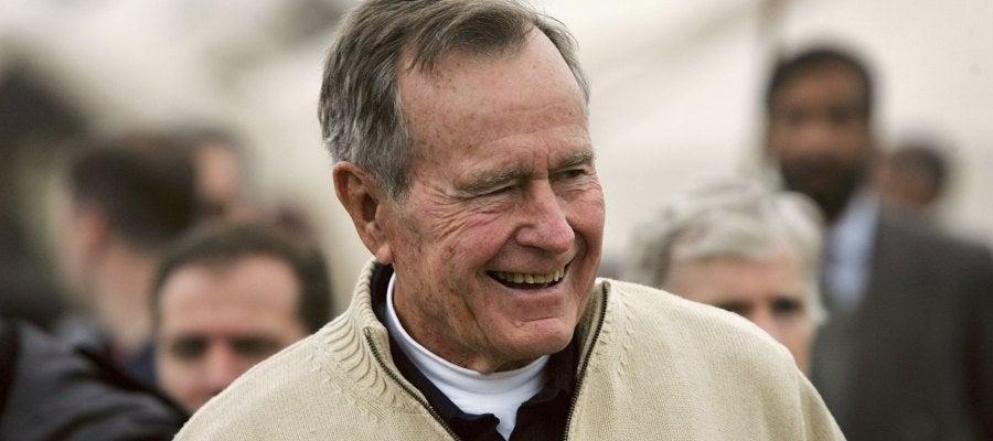 El expresidente de EEUU George H.W. Bush