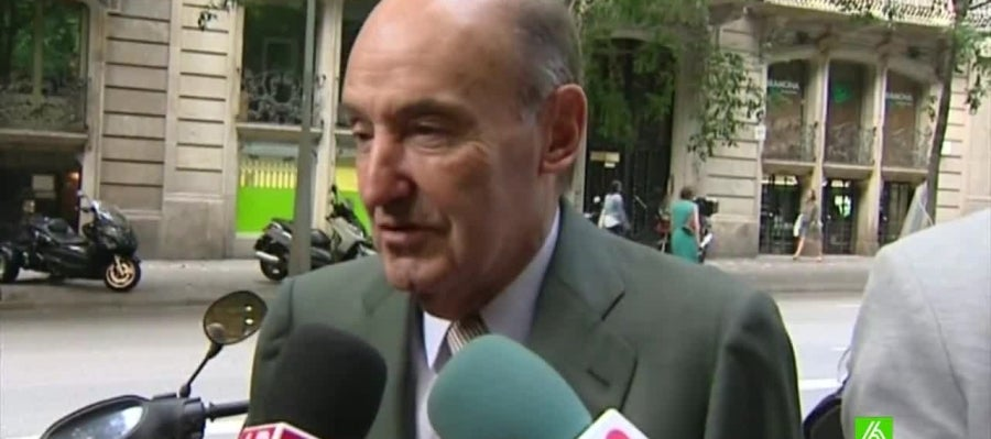 Miquel Roca, compareciendo ante los medios