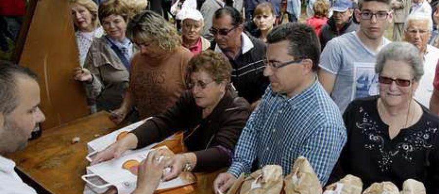 O posto de venda do pan de Cea no Campo dá Saleta quedouse sen existencias