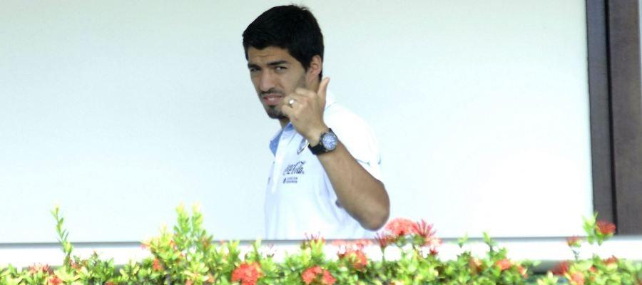 Luis Suárez, a la espera de ver cómo se soluciona su sanción