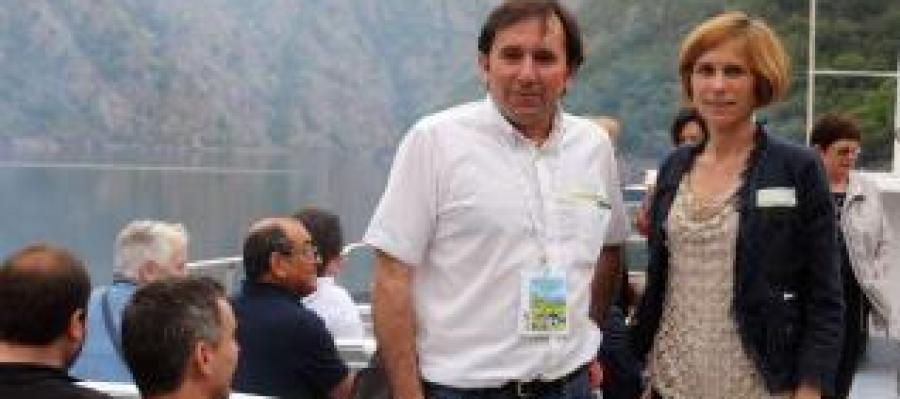 La directora de Turismo se sumó a la ruta en el tramo del catamarán de Santo Estevo.