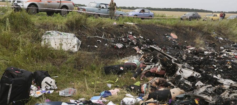 Los restos de avión siniestrado en Ucrania