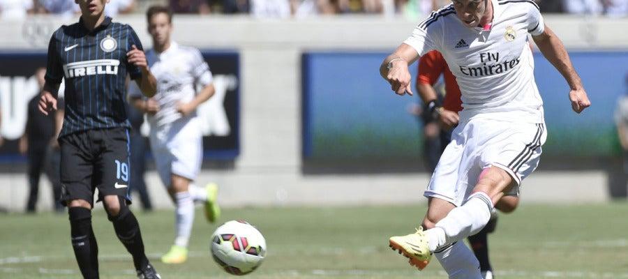 Bale lanza a portería ante el Inter