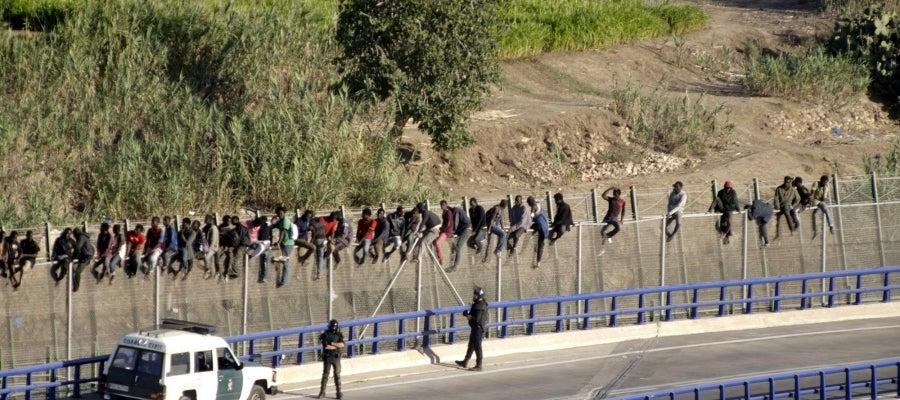 Nuevo intento de entrada masiva de inmigrantes a Melilla
