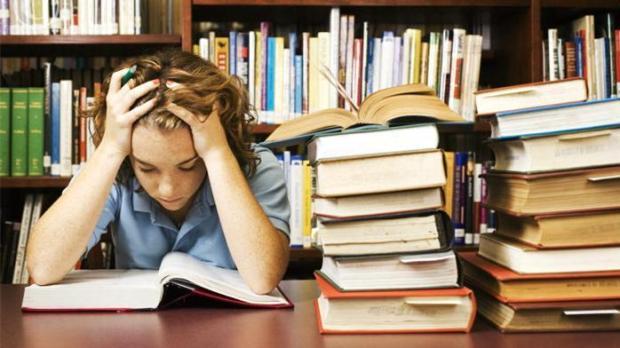 Psicología: ¿Cómo manejar la ansiedad en los adolescentes al estudiar?