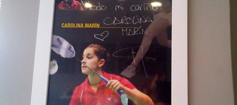Dedicatoria de Carolina Marín en la Heladería Delizia de Granada