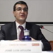El secretario de Estado de Relaciones con las Cortes, José Luis Ayllón
