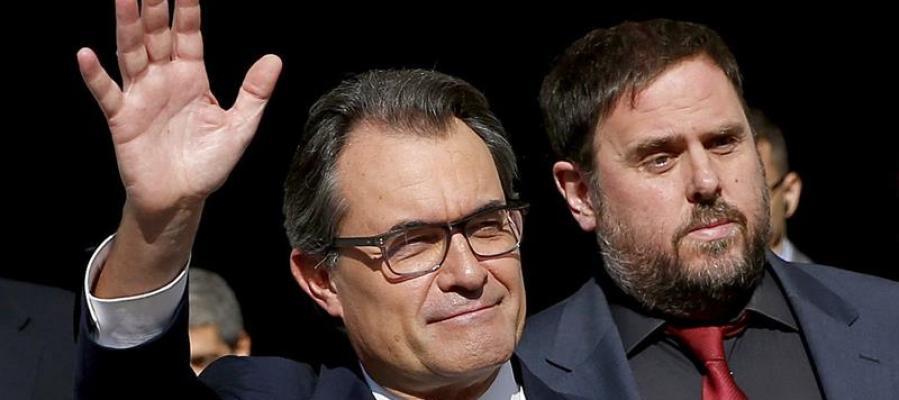 Mas y Junqueras tras la firma del decreto de convocatoria de la consulta del 9N