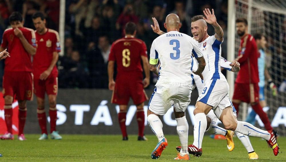 Kucka celebra el gol ante España