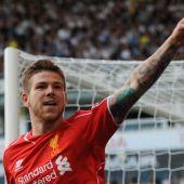 Alberto Moreno en su primer gol con el Liverpool